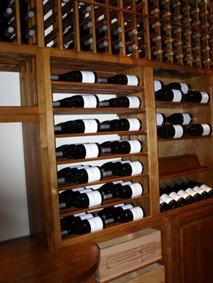 wooden wine storage horizontal display