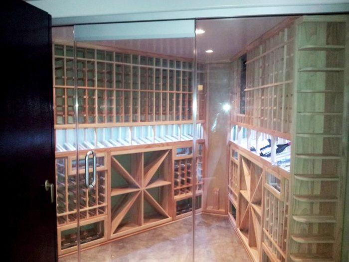 Insulated Seamless Glass Wine Cellar Door